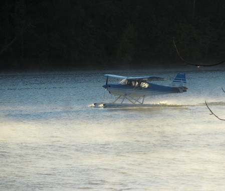 """2013-Sep-Seaplane-takeoff1���(09/25/13)��449x381��51.3KB�"""