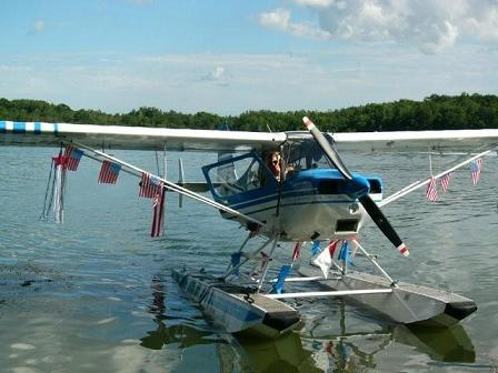 """2009-Float-Plane-Parade2"""