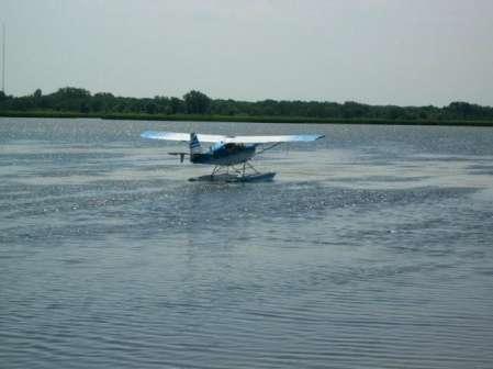 """2009-Seeplane1-W449"""